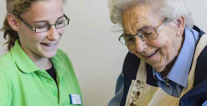 Sturzprävention für Senioren im Alters- und Pflegeheim