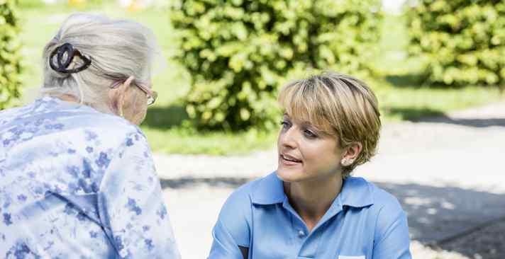Tertianum Wohn- und Pflegezentrum Sternmatt, individuelle Pflege für Senioren mit Demenz - Professionelle Begleitung während des Alterungsprozess